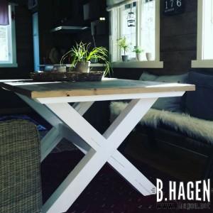 G-Spisebord med innramming hytte 1